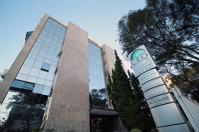 Conheça o Hospital de Olhos do Paraná e a atuação do Dr. Marcelo Vilar | Dr. Marcelo Vilar
