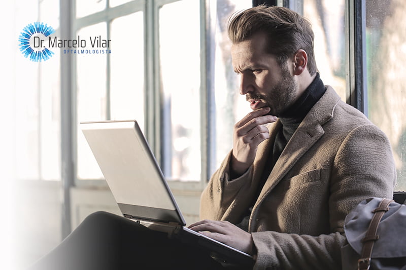 Computador, celular e tablet podem, de fato, prejudicar a visão?